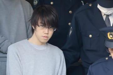 新成人の晴れ着にソース…斎藤拓容疑者逮捕