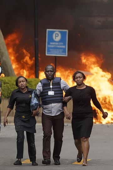 케냐, 호텔 테러로 15명 사망