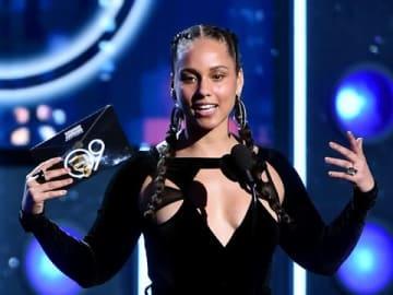 「第61回グラミー賞授賞式」の司会に決定したにアリシア・キーズさん(C)GettyImages