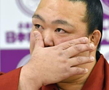 요코즈나 기세노사토, 은퇴 회견