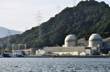 関西電力高浜原発の(左から)3号機、4号機=福井県高浜町