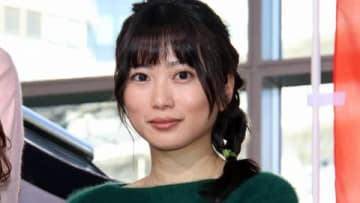 連続ドラマ「ハケン占い師アタル」の制作発表記者会見に出席した志田未来さん