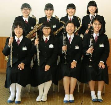【明洋中学校の木管8重奏のメンバー】