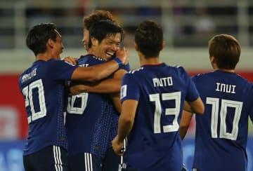 ベスト16進出を決めた日本代表 photo/Getty Images