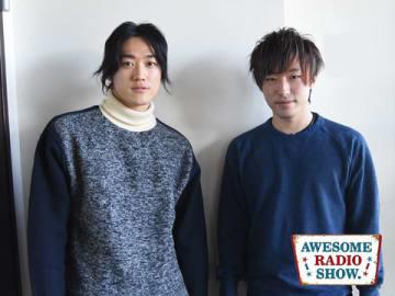 ヲタ芸グループ「北の打ち師達」より、はるくん(左)とふぇるとさん