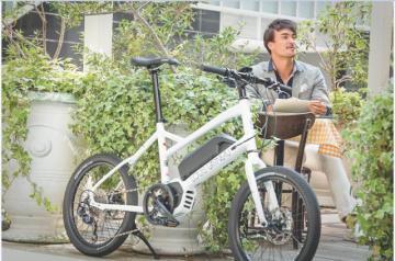 ルイガノからミニベロタイプのe-bike「ASCENT e-sports」登場