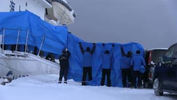北朝鮮の漂流木造船 男性2人を長崎に移送 出国へ