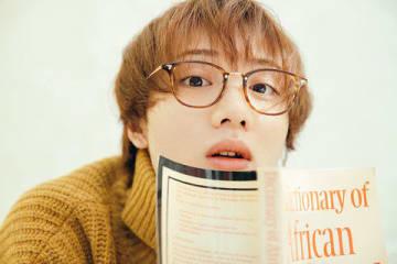 植田圭輔さんの初のデジタルフォトブック「植田圭輔~NEXT TO HIM~」の先行カット