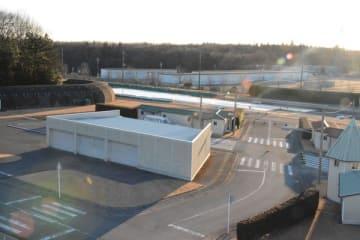 改修が検討されている県交通安全教育センターの安全運転コース=18日午後、鹿沼市下石川