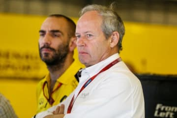 ルノーがレース部門の体制変更を中止。新責任者離脱でストール会長が留任