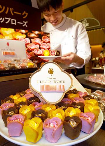 関西初登場となるブランド「TOKYOチューリップローズ」の商品「チューリップローズ」(地下1階で23日から販売)