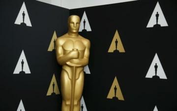1月14日、米映画俳優組合・テレビラジオ芸能人組合(SAG ・AFTRA)は、米アカデミー賞の主催者が著名人らに対し、同賞以外の賞の授賞式に出席しないよう脅迫を試みていると非難する異例の声明を発表した。写真はアカデミー賞関連のイベントで2016年2月撮影 - (2019年 ロイター/Danny Moloshok)