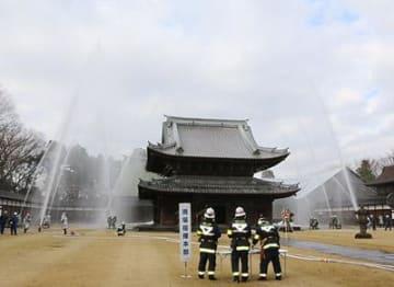 国宝瑞龍寺などで消防訓練 高岡市消防本部