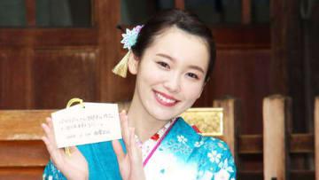 芸能事務所「エイベックス・マネジメント」の「新春参拝&晴れ着撮影会」に出席した飯豊まりえさん
