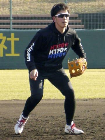 京都府内で練習を公開した楽天の藤田