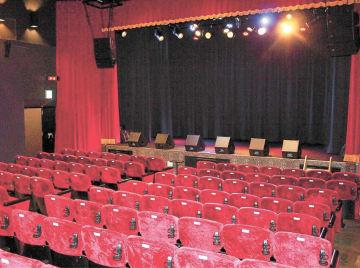 照明や音響設備を備え、4月にオープンする小劇場=仙台市青葉区中央2丁目