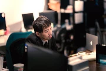 「1年前より残業減った」実感する人は約3割
