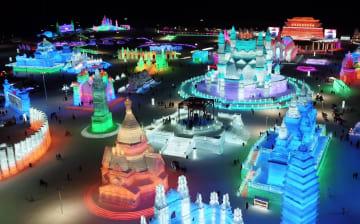 きらびやかな雪と氷の季節 黒竜江省ハルビン市