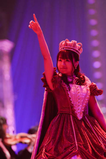 「NANA MIZUKI LIVE GRACE -OPUS III-」写真:上飯坂一、小境勝巳