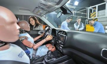 現代自は韓国内外の事故状況を分析し、多重衝突に備えるエアバックシステムを開発(同社提供、写真はイメージ)
