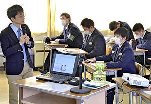 たばこ喫煙...『高いリスク』 福島県警察学校、初任科生に講習