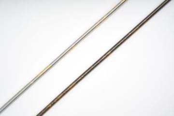金箔が塗り込まれた日泉ケーブルの限定ブレーキケーブル