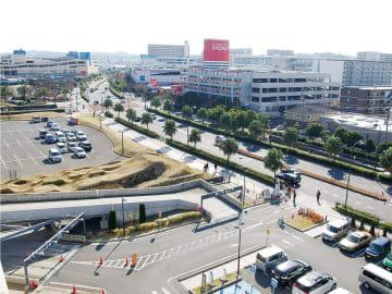 大型商業施設や住宅が共存する現在の街並み