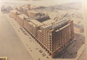 1913年完成のナビスコ本社工場。当時全米最大規模を誇った(写真はチェルシーマーケットの展示から)
