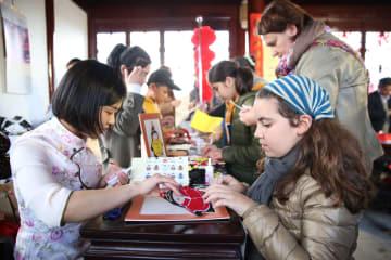 中国庭園で縁日イベント開催 マルタ