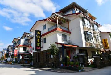 茶販売と民宿経営で豊かさを手にした「90後」夫妻 武夷山市