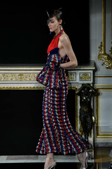 アルマーニ·プリヴェが春夏コレクション発表 パリ·オートクチュール