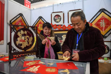 旧正月に関わる無形文化遺産を鑑賞 内モンゴル自治区