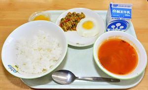 タイの味にドキドキ ホストタウンの会津若松、学校給食で提供