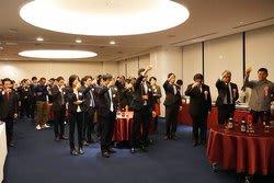 「デジタルカメラグランプリ」10周年記念の懇親パーティーには、総勢70名を超える参加者が集った