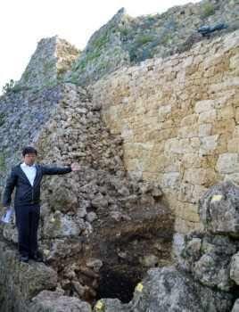 中城城跡に14世紀前半城壁 貴重な発見、定説より古く