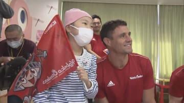 神戸製鋼の選手らが病院訪問 闘病中の子どもにエール