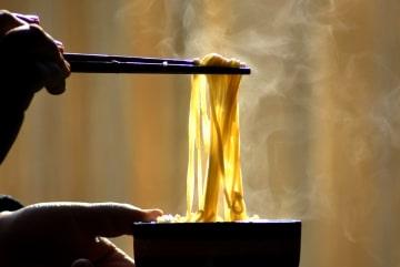 旧暦12月に漂う春雨と乾麺の香り