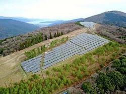 丹後太陽光発電合同会社が京都府北部などで開設した太陽光発電所(宮津市)