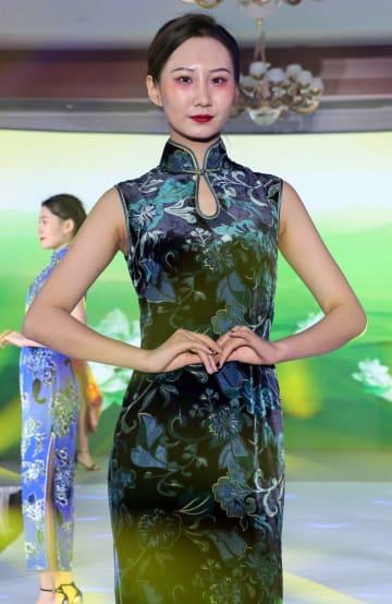 中国ファッションショー開催 モンゴル
