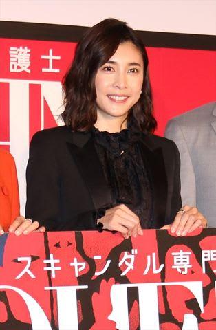 連続ドラマ「スキャンダル専門弁護士 QUEEN」主演の竹内結子さん