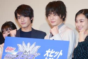 上映記念舞台あいさつに登壇した高田夏帆、赤楚衛二、犬飼貴丈、滝裕可里