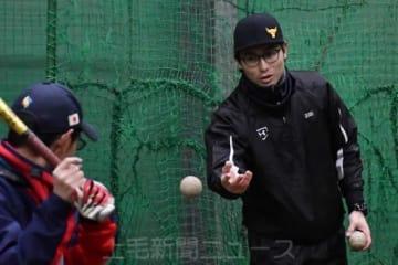 「チームでレギュラーを取るための指導をする」と野球塾の狙いを語る星さん