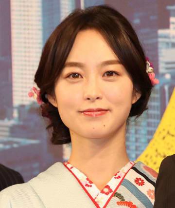 映画「七つの会議」の完成報告記者会見に登場した朝倉あきさん
