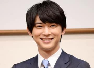 アフラック生命保険の新商品発表会に登場した吉沢亮さん