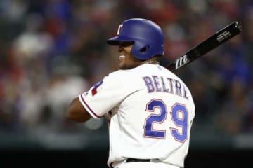レンジャーズは昨季引退したベルトレの背番号「29」を永久欠番にすると発表【写真:Getty Images】