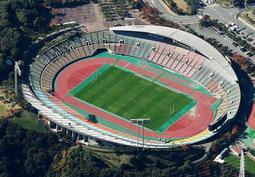 世界パラ陸上誘致に向け、神戸市がバリアフリー改修などの方針を固めたユニバー記念競技場=神戸市須磨区