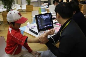 27日に行われた「第3回神戸野球肘検診」の様子【写真:広尾晃】