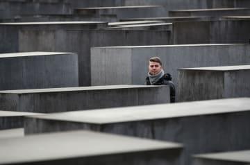 国際ホロコースト記念日の追悼 ドイツ·ベルリン
