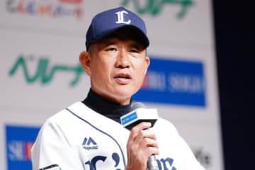 出陣式に臨んだ西武・辻監督【写真:荒川祐史】