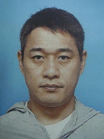千葉県警が窃盗容疑などで公開手配した井上容疑者(県警提供)